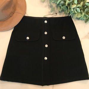 Zara black button down mini skirt with pockets
